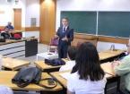 Türkiye'nin Bağdat Büyükelçisi Yıldız Tecrübelerini Öğrencilerle Paylaştı