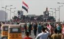 Vatandaşlar, 25 Ekim gösterilerinin birinci yılında Tahrir Meydanı'nda