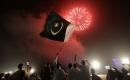Pakistan'da bağımsızlığın 73. yılı Kovid-19 önlemleri altında kutlanıyor